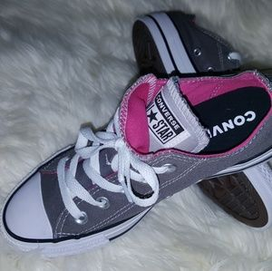 New 🔥 Converse All⭐Star Woman's size 6